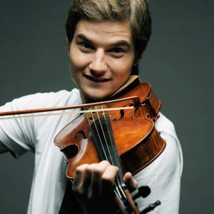 iStock_male_violinist
